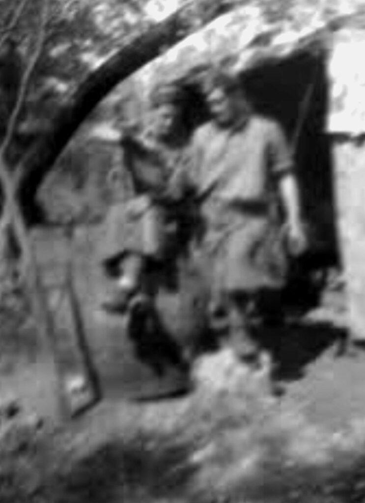Francia, l'entrata della miniera: mio padre è il primo in a sinistra